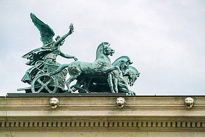 Quadriga am Parlament in Wien - p1332m1488547 von Tamboly