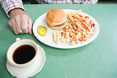 Burger and fries - p9246931f by Image Source