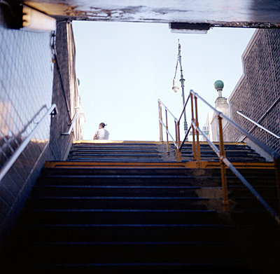 Low angle view of a staircase of a subway station, New York State, USA - p3485052 by Tina Miguel
