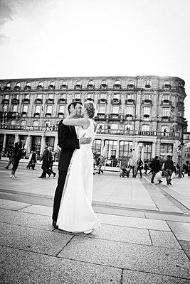 Bridal couple - p904m734830 by Stefanie Päffgen