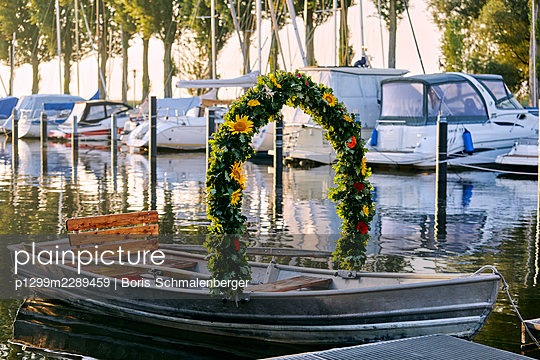Germany, Radolfzell, Mooser water procession - p1299m2289459 by Boris Schmalenberger