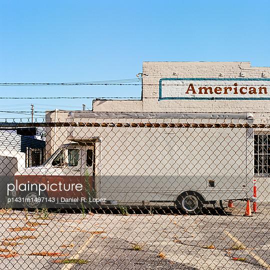 American - p1431m1497143 by Daniel R. Lopez