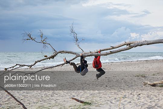 Am Strand abhängen - p606m1502311 von Iris Friedrich