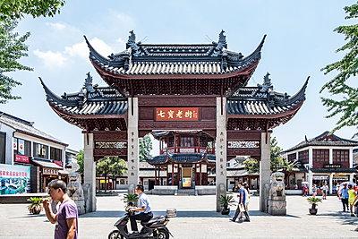 Shanghai Qibao, Wasserstadt - p1243m1059600 von Archer