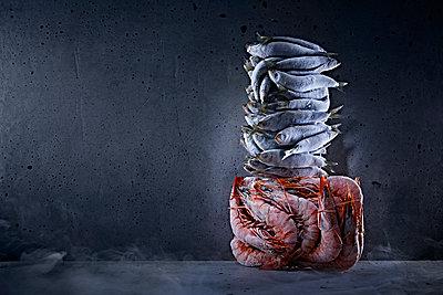 Frozen fish - p851m1528967 by Lohfink