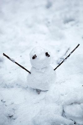 Little snowman - p902m814671 by Mölleken