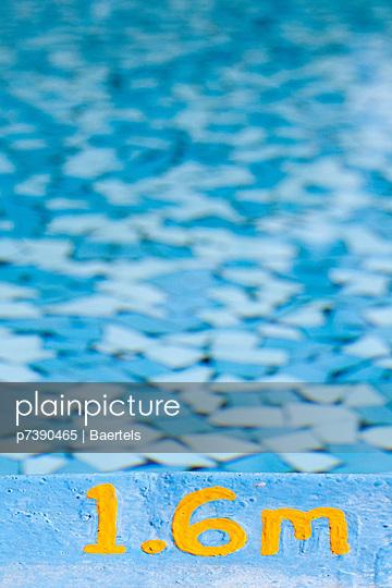Swimmingpool-Rand - p7390465 von Baertels