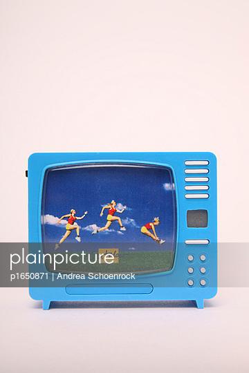 Klickfernseher - p1650871 von Andrea Schoenrock