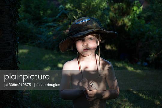p1308m2126751 by felice douglas