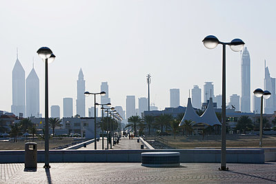 Dubai skyline - p9246172f by Image Source