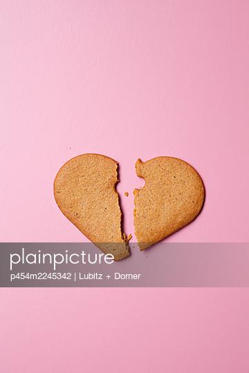 Lovesickness - p454m2245342 by Lubitz + Dorner