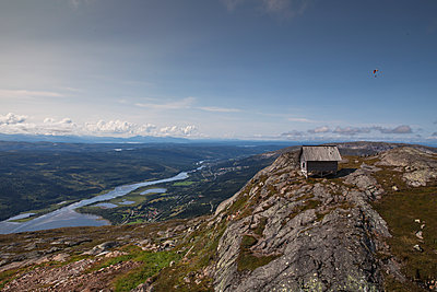 Cabin on mountain in Are, Sweden - p352m1536568 by Calle Artmark