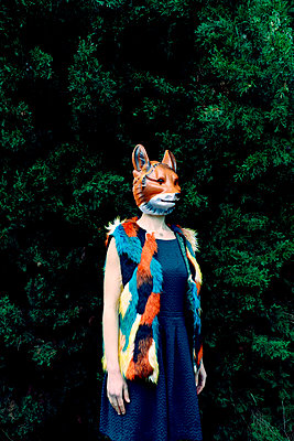 Woman with a fox mask  - p1521m2141355 by Charlotte Zobel