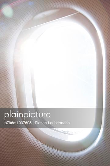 Fliegen - p798m1007808 von Florian Loebermann