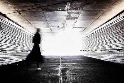 Im Tunnel - p1076m1134602 von TOBSN