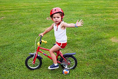 Safety - p756m740327 by Bénédicte Lassalle