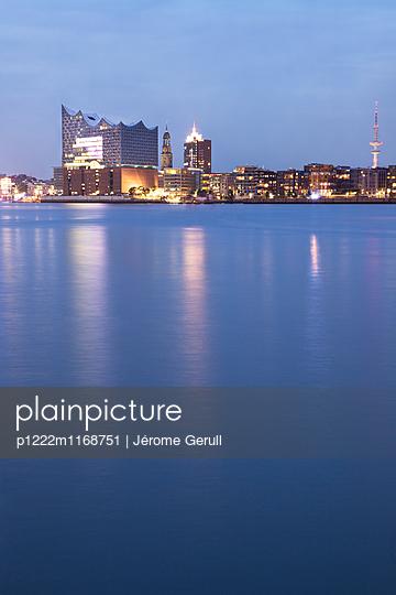 Skyline Hamburg - p1222m1168751 von Jérome Gerull
