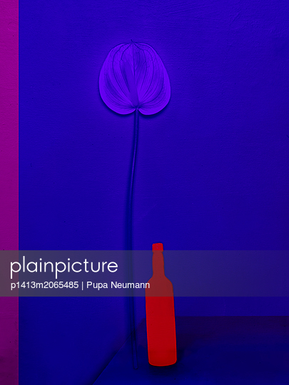 Blue and red - p1413m2065485 by Pupa Neumann