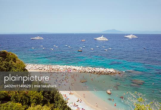 Sonnenbaden auf Capri - p432m1149629 von mia takahara