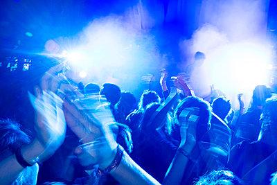 Concert - p1046m2053689 by Moritz Küstner