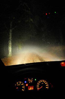 Waldweg - p8290141 von Régis Domergue