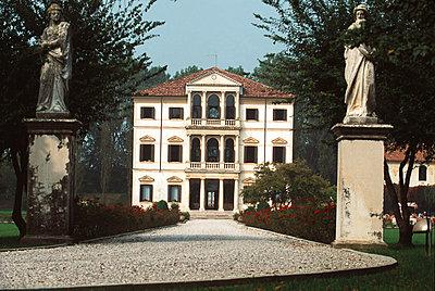Villa in Italien - p1259m1068305 von J.-P. Westermann