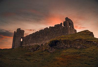 Ireland, Ruin, Castle Roche - p1681m2283666 by Juan Alfonso Solis