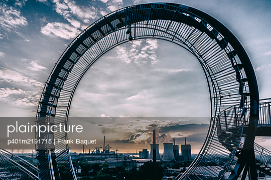 Tiger & Turtle Magic Mountain Duisburg - p401m2191718 by Frank Baquet