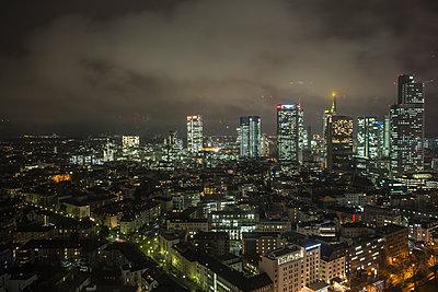 Frankfurt am Main - p718m1065772 von Arne Landwehr