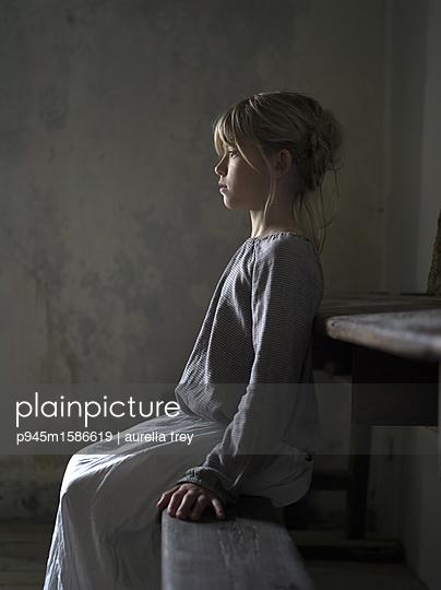 Mädchen - p945m1586619 von aurelia frey