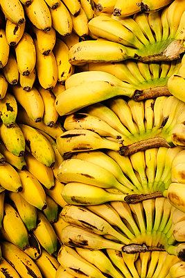 Bananas - p1093m855414 by Sven Hagolani