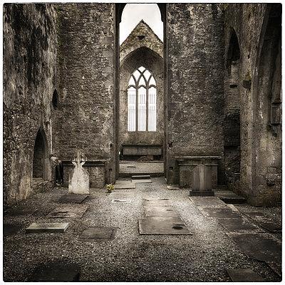 Quin Abbey - p1154m1074115 by Tom Hogan