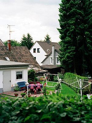 Blick in den Garten - p1164m951963 von Uwe Schinkel