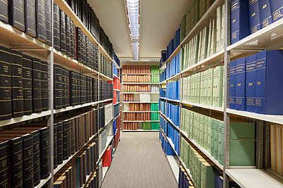 Library - p133m1563609 by Martin Sigmund