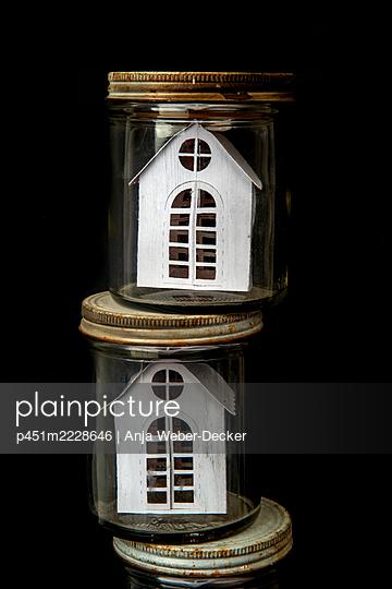 p451m2228646 by Anja Weber-Decker