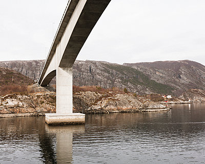Bridge piers in a rocky landscape - p1214m2258726 by Janusz Beck