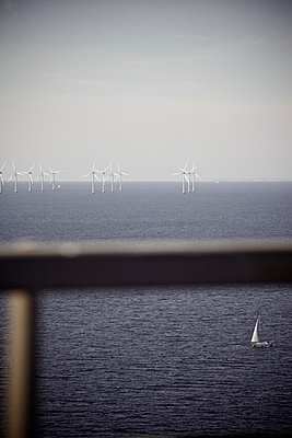 Offshore wind energy - p586m973045 by Kniel Synnatzschke