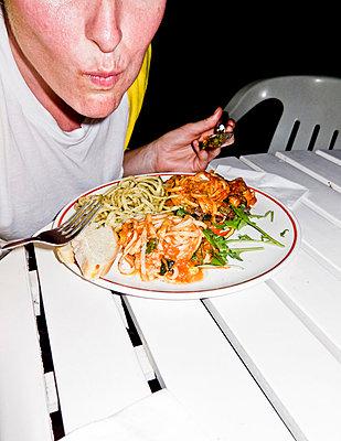 Hungry - p930m817925 by Ignatio Bravo