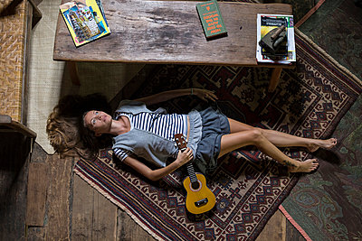 Young woman in Sulawesi wood house - p1108m1004224 by trubavin