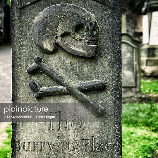 Skull and Bones Grave Stone - p1154m2229509 by Tom Hogan