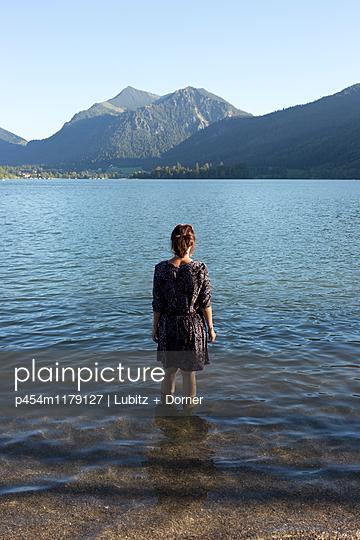 Blauer Tag - p454m1179127 von Lubitz + Dorner
