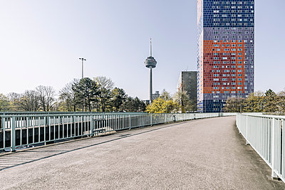 Bridge and television tower Colonius, Cologne - p1637m2211672 by Vogel