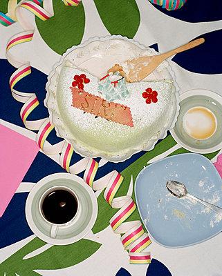 Birthday cake Sweden. - p31216815f by Fredrik Nyman