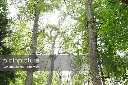 Luftig - p249m2063767 von Ute Mans