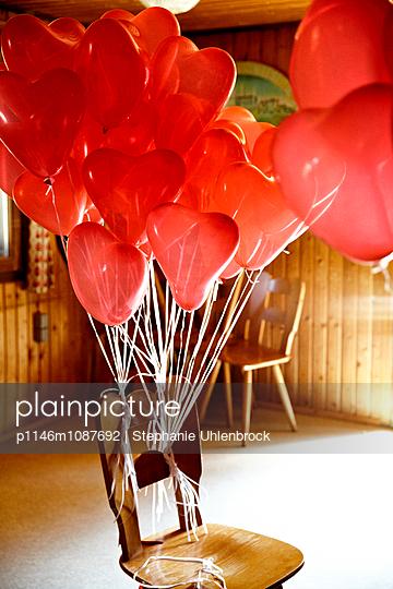 String - p1146m1087692 by Stephanie Uhlenbrock
