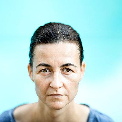 Portrait - p552m1050718 by Leander Hopf