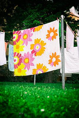 Wäsche aufhängen - p1149m1162696 von Yvonne Röder