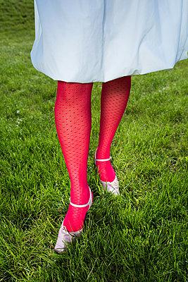 Beine - p954m1154502 von Heidi Mayer