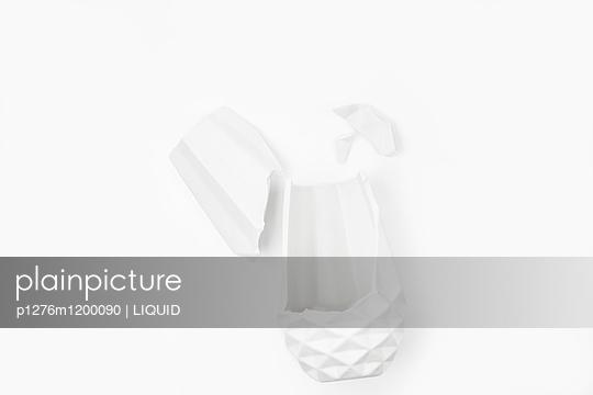 Zerbrochene Vase - p1276m1200090 von LIQUID