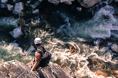 Man trad climbing at The Chief, Squamish, Canada - p429m1569575 by Alex Eggermont